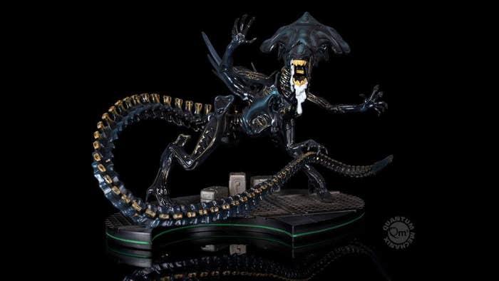 Alien Queen Q-fig Max Elite Diorama