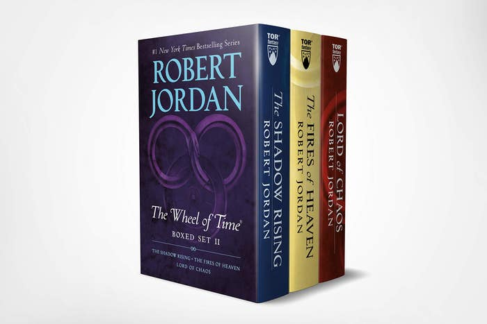 Wheel of Time Premium Boxed Set II: Books 4-6 (the Shadow Rising, the Fires of Heaven, Lord of Chaos)