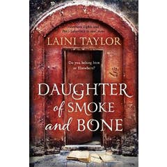 Daughter of Smoke and Bone: Enter another world in this magical SUNDAY TIMES bestseller
